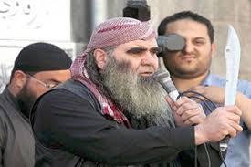 شهادت به کفر مسلمانان، شرط ورود به آیین وهابیت
