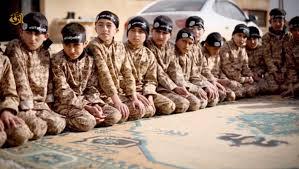داعش تا کنون فیلمهای تبلیغاتی مختلفی را از آموزش کودکان در مدارس خود منتشر کرده است.